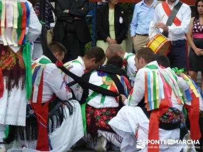 Majaelrayo - Pueblos arquitectura negra - Fiesta de los danzantes, Santo Niño; actividades senderis